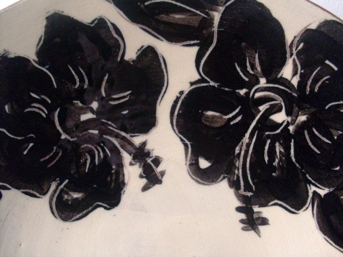 Black and White Hibiscus Bowl (detail)